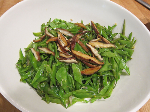 Sautéed Snow Peas and Shitake